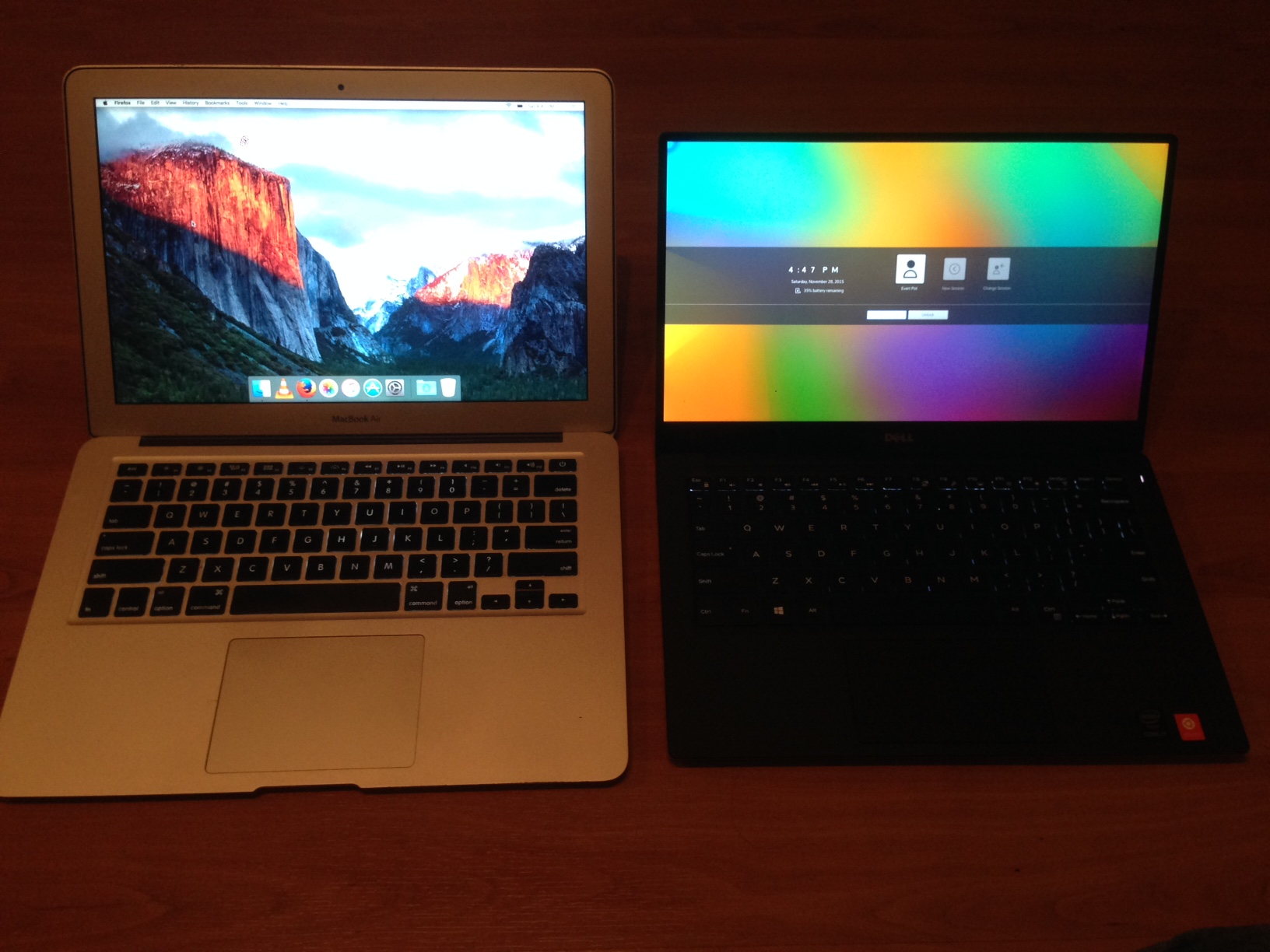 XPS 13 vs Macbook air - Opened